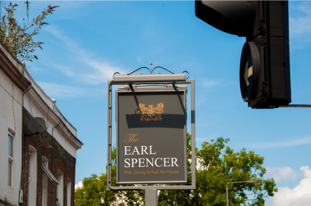 The-Earl-Spencer-pub-Southfields-640x480-exterior-2